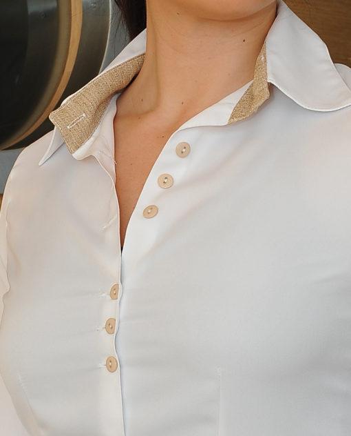 camicia con bottoni dettaglio